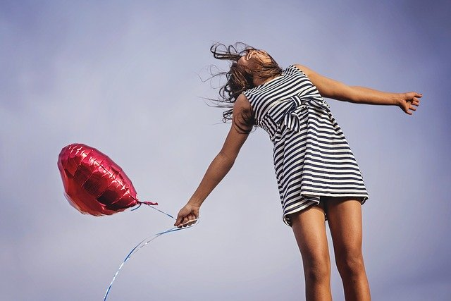 šťastná dívka