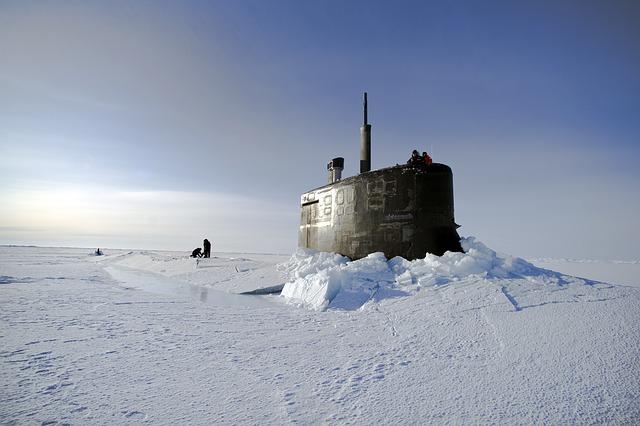 ponorka v oceánu