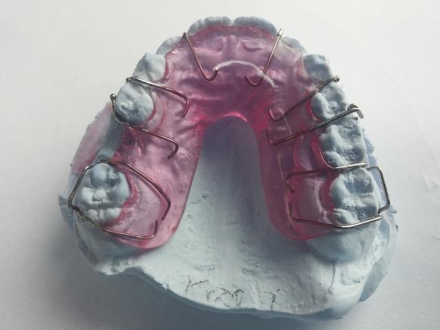 zubní rail